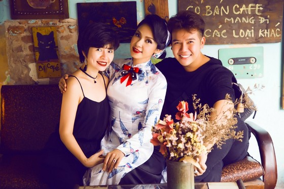 """Sao Việt khoe sắc với áo dài """"Cô Bông Sài Gòn"""" ảnh 11"""