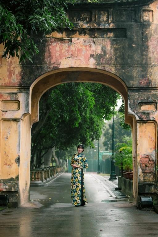"""Sao Việt khoe sắc với áo dài """"Cô Bông Sài Gòn"""" ảnh 3"""