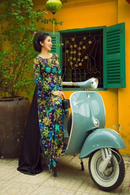 """Sao Việt khoe sắc với áo dài """"Cô Bông Sài Gòn"""" ảnh 6"""