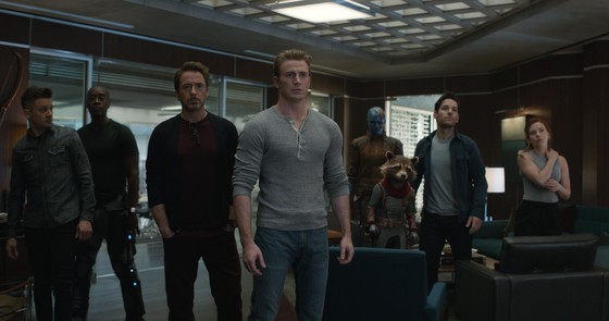 """Hơn 1 tuần công chiếu, """"Avengers: Endgame"""" thu hơn 200 tỷ đồng ảnh 1"""