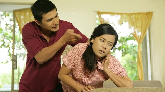 Phim Sống gượng: Bi kịch bạo hành từ đời lên phim    ảnh 2