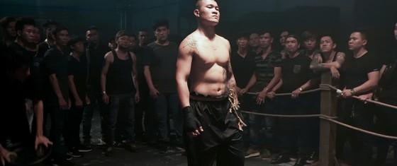 Đương kim vô địch boxing châu Á Trương Đình Hoàng lấn sân điện ảnh ảnh 1