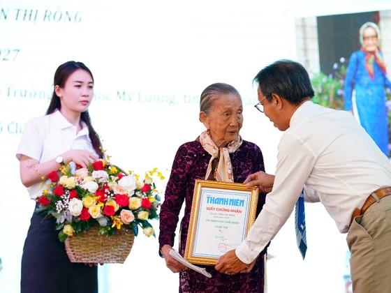 Trao giải cuộc thi và ra mắt cuốn sách Sài Gòn - Thành phố tôi yêu ảnh 3