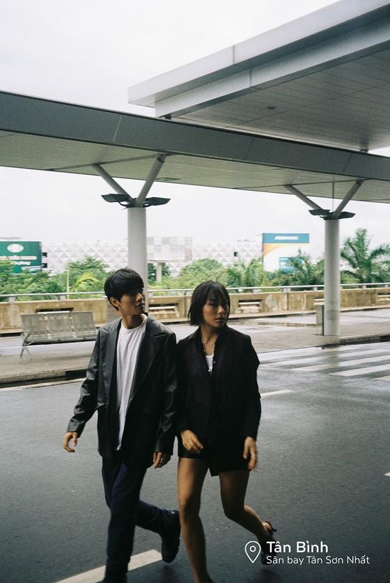 """Cặp đôi 'Sài Gòn trong cơn mưa' chụp ảnh """"check in"""" khắp thành phố ảnh 16"""
