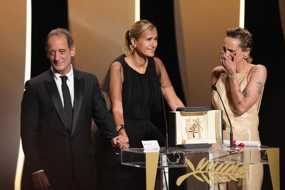 LHP Cannes 2021: Chiến thắng gây 'sốc' ảnh 2