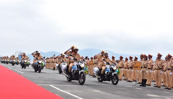 Lực lượng CSGT ra quân đảm bảo trật tự ATGT tại Tuần lễ cấp cao APEC  ảnh 3
