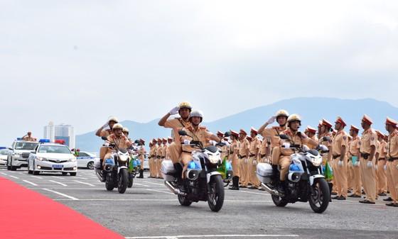 Lực lượng CSGT ra quân đảm bảo trật tự ATGT tại Tuần lễ cấp cao APEC  ảnh 2