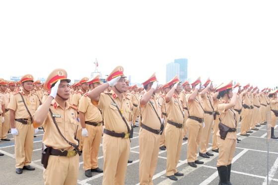 Lực lượng CSGT ra quân đảm bảo trật tự ATGT tại Tuần lễ cấp cao APEC  ảnh 6