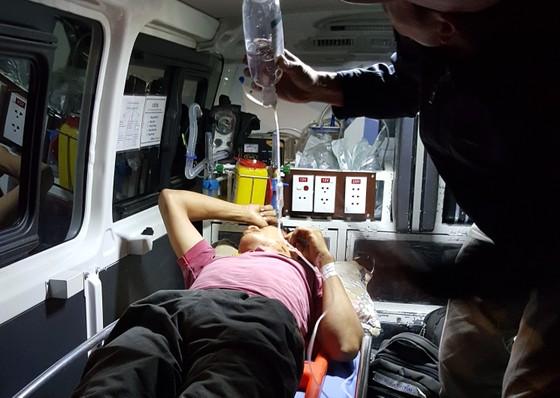 Điều tàu SAR 412 cứu nạn khẩn cấp thuyền viên gặp nguy kịch trên đảo Cù Lao Chàm  ảnh 3