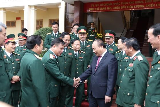 Thủ tướng Nguyễn Xuân Phúc thăm, chúc Tết Bộ Tư lệnh Quân khu V ảnh 5