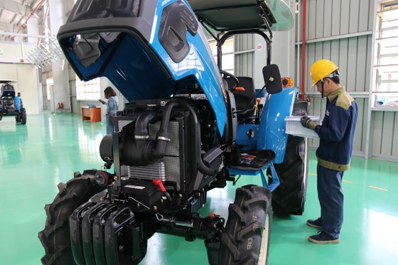 Quảng Nam đưa vào hoạt động nhà máy sản xuất máy nông nghiệp lớn và hiện đại nhất nước  ảnh 3
