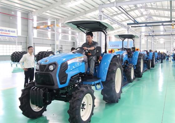 Quảng Nam đưa vào hoạt động nhà máy sản xuất máy nông nghiệp lớn và hiện đại nhất nước  ảnh 7