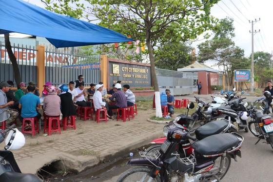 Người dân tập trung phản đối nhà máy thép Dana Ý tại Đà Nẵng gây ô nhiễm ảnh 3
