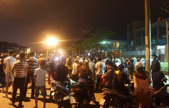 Người dân tập trung phản đối nhà máy thép Dana Ý tại Đà Nẵng gây ô nhiễm ảnh 2