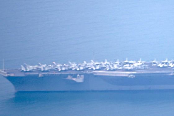 Tàu sân bay USS Carl Vinson đang vào cảng Tiên Sa - Đà Nẵng  ảnh 4