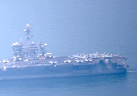 Tàu sân bay USS Carl Vinson đang vào cảng Tiên Sa - Đà Nẵng  ảnh 5