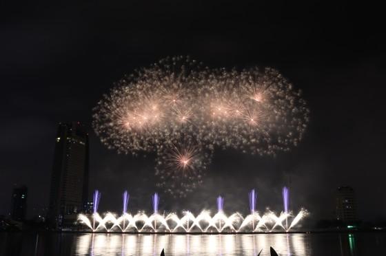 Bầu trời Đà Nẵng rực rỡ pháo hoa  ảnh 27