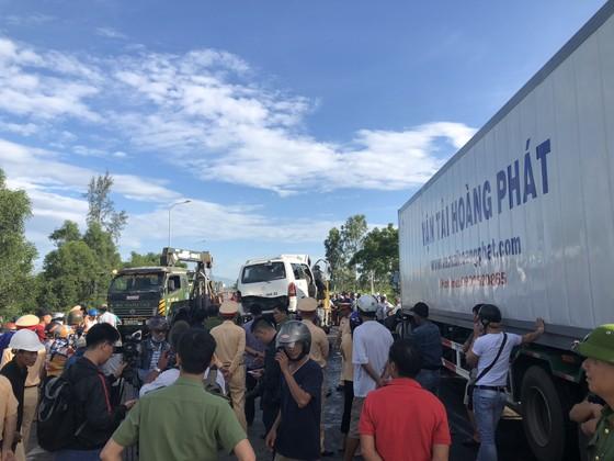 Xe đi rước dâu gặp tai nạn thảm khốc, 13 người chết, 4 người bị thương  ảnh 2