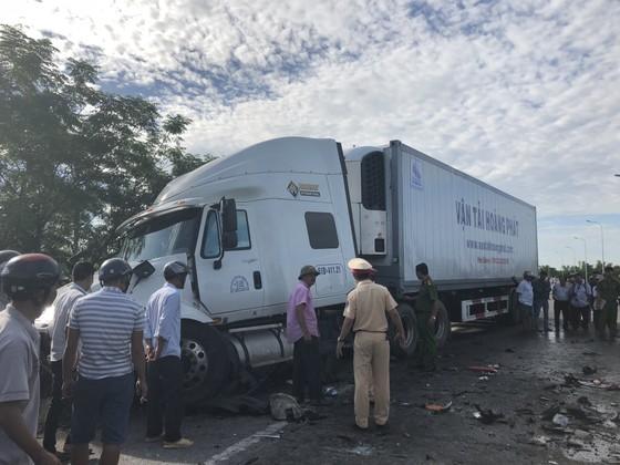 Xe đi rước dâu gặp tai nạn thảm khốc, 13 người chết, 4 người bị thương  ảnh 7