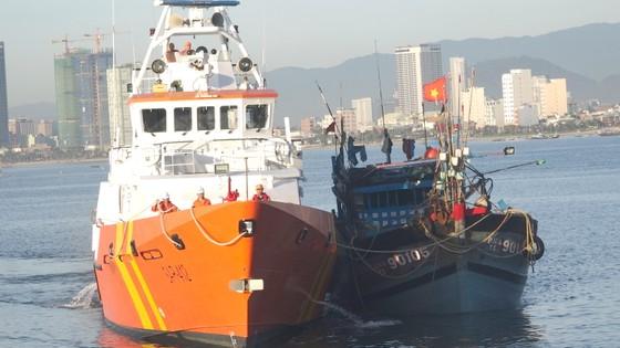 Tàu cá cùng 6 ngư dân Đà Nẵng gặp nạn ở phía Nam quần đảo Hoàng Sa ảnh 2