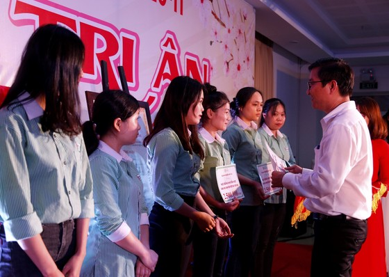 Hơn 2 tỷ đồng học bổng dành cho sinh viên Đại học Đông Á ảnh 1