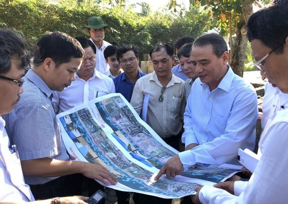 Bí thư Thành ủy Đà Nẵng kiểm tra đột xuất công trình mở lối xuống biển ảnh 4