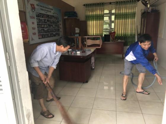 Mưa ngập bất thình lình, ngày mai 10-12, học sinh - sinh viên trên toàn thành phố Đà Nẵng được nghỉ học ảnh 7