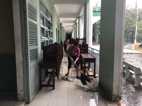 Mưa ngập bất thình lình, ngày mai 10-12, học sinh - sinh viên trên toàn thành phố Đà Nẵng được nghỉ học ảnh 9