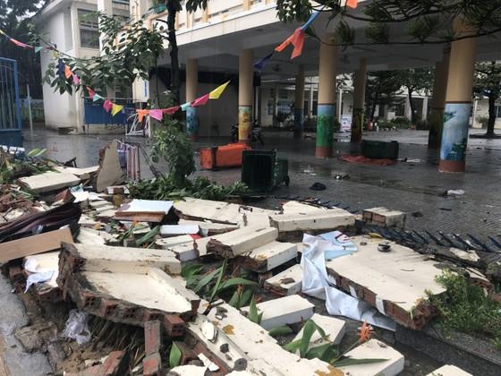 Mưa ngập bất thình lình, ngày mai 10-12, học sinh - sinh viên trên toàn thành phố Đà Nẵng được nghỉ học ảnh 15