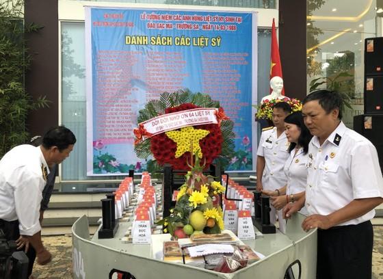 Tưởng niệm 64 chiến sĩ Gạc Ma  ảnh 1