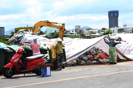 Chủ tịch UBND TP Đà Nẵng chỉ đạo xử lý nghiêm hành vi chặn đường vào bãi rác Khánh Sơn ảnh 1