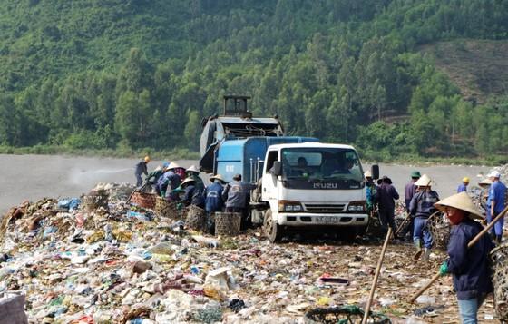 Chủ tịch UBND TP Đà Nẵng chỉ đạo xử lý nghiêm hành vi chặn đường vào bãi rác Khánh Sơn ảnh 2