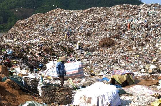 Chủ tịch UBND TP Đà Nẵng chỉ đạo xử lý nghiêm hành vi chặn đường vào bãi rác Khánh Sơn ảnh 3