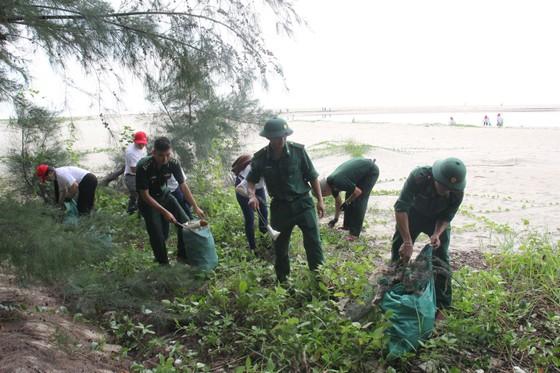 """800 người tham gia """"Giải cứu đại dương"""" tại Đà Nẵng ảnh 4"""