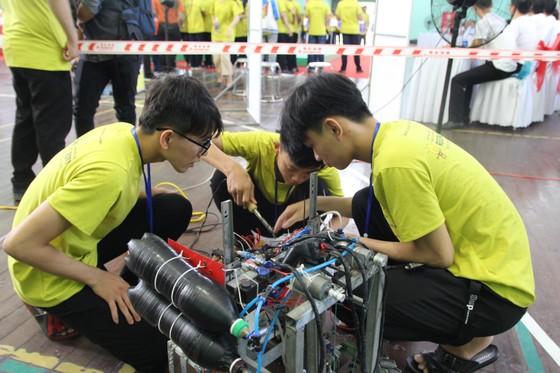 Cuộc thi sáng tạo Robot dành cho học sinh THPT Đà Nẵng mở rộng ảnh 1