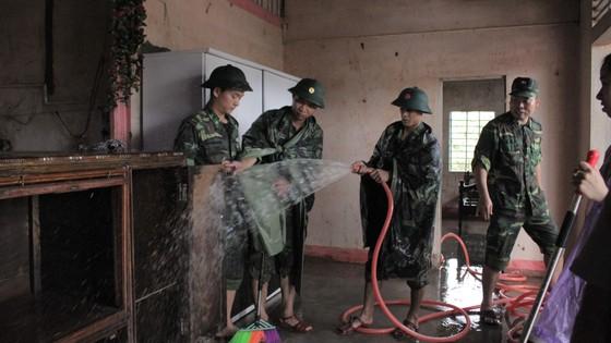 Lũ rút người dân Quảng Trị khẩn trước khắc phục hậu quả ảnh 1