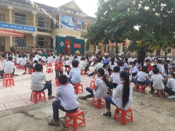 Nhiều trường học ảnh hưởng mưa lũ ở Quảng Trị, Hà Tĩnh khai giảng năm học mới ảnh 3