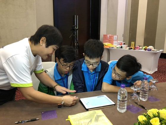 Học sinh THCS tham gia sáng tạo cùng công nghệ cảm biến MESH ảnh 1