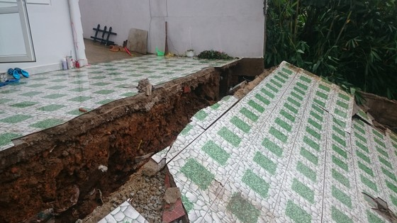 Sạt lở gây sập nhà ở Đà Lạt, cụ ông 81 tuổi bị thương nặng ảnh 2