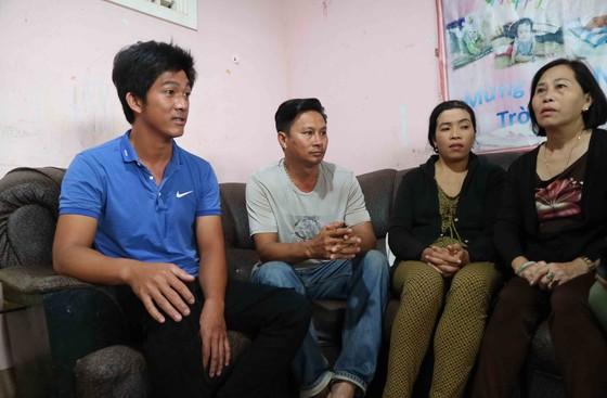 Khen thưởng đột xuất nam thanh niên lao xuống sông cứu sống 2 nữ sinh ảnh 1