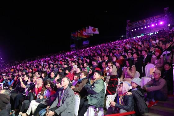 Đêm khai mạc Festival Hoa Đà Lạt đầy sắc màu ảnh 2