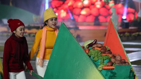 Đêm khai mạc Festival Hoa Đà Lạt đầy sắc màu ảnh 11