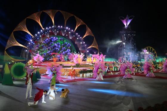 Đêm khai mạc Festival Hoa Đà Lạt đầy sắc màu ảnh 1