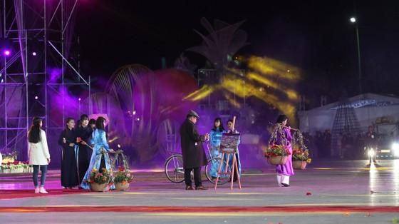 Đêm khai mạc Festival Hoa Đà Lạt đầy sắc màu ảnh 6