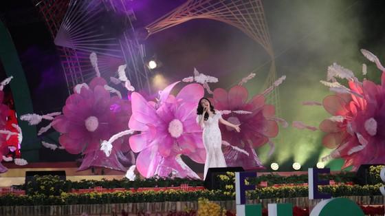 Đêm khai mạc Festival Hoa Đà Lạt đầy sắc màu ảnh 8