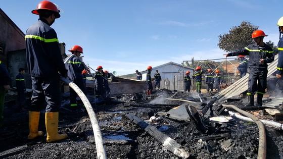 Hỏa hoạn thiêu rụi 4 căn nhà ngày đầu năm ảnh 6