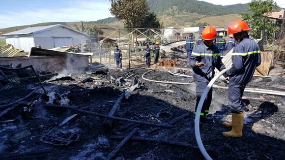 Hỏa hoạn thiêu rụi 4 căn nhà ngày đầu năm ảnh 5