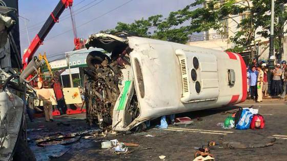 Tai nạn thảm khốc, 10 người thương vong ảnh 1
