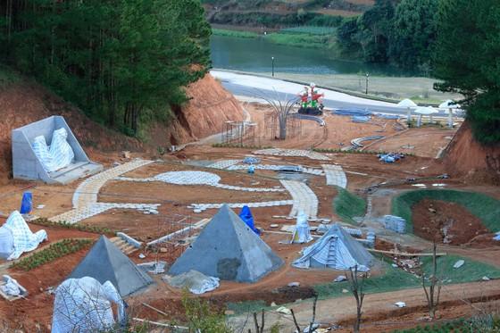 """Dự án nghỉ dưỡng cao cấp tiếp tục """"xẻo"""" đất rừng tại hồ Tuyền Lâm – Đà Lạt ảnh 1"""