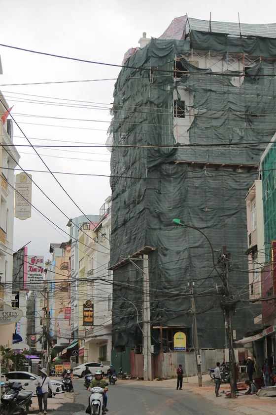 Buộc tháo dỡ 2 tầng khách sạn, xây sai phép hơn 1.200m2 giữa trung tâm Đà Lạt ảnh 4